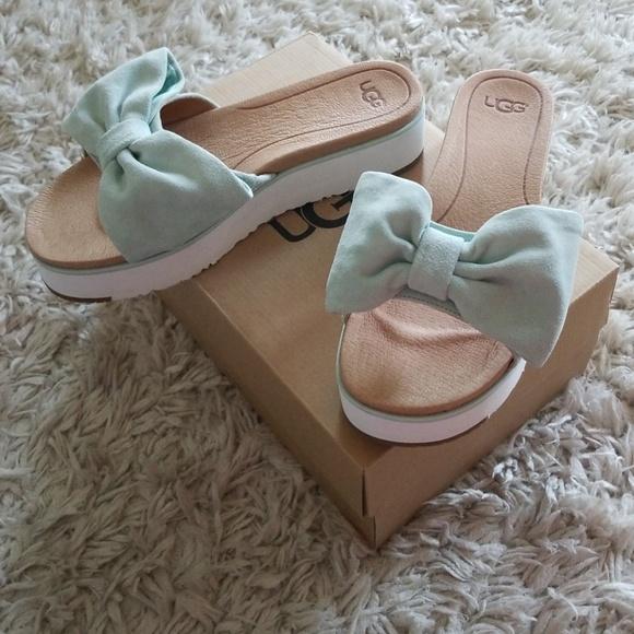 68b0f59a64cc Ugg Joan Bow Platform sandals 9